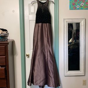 Xscape formal gown size 12 NWT